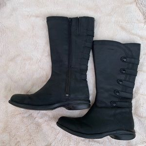 Merrill waterproof black leather boots, size 7